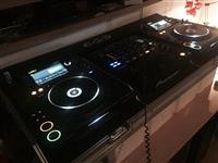 Pioneer cdj 2000 and djm 800 with Flycases