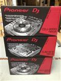 Pioneer 2 CDJ-2000 Nexus, 1 DJM-900 Nexus, HDJ-200
